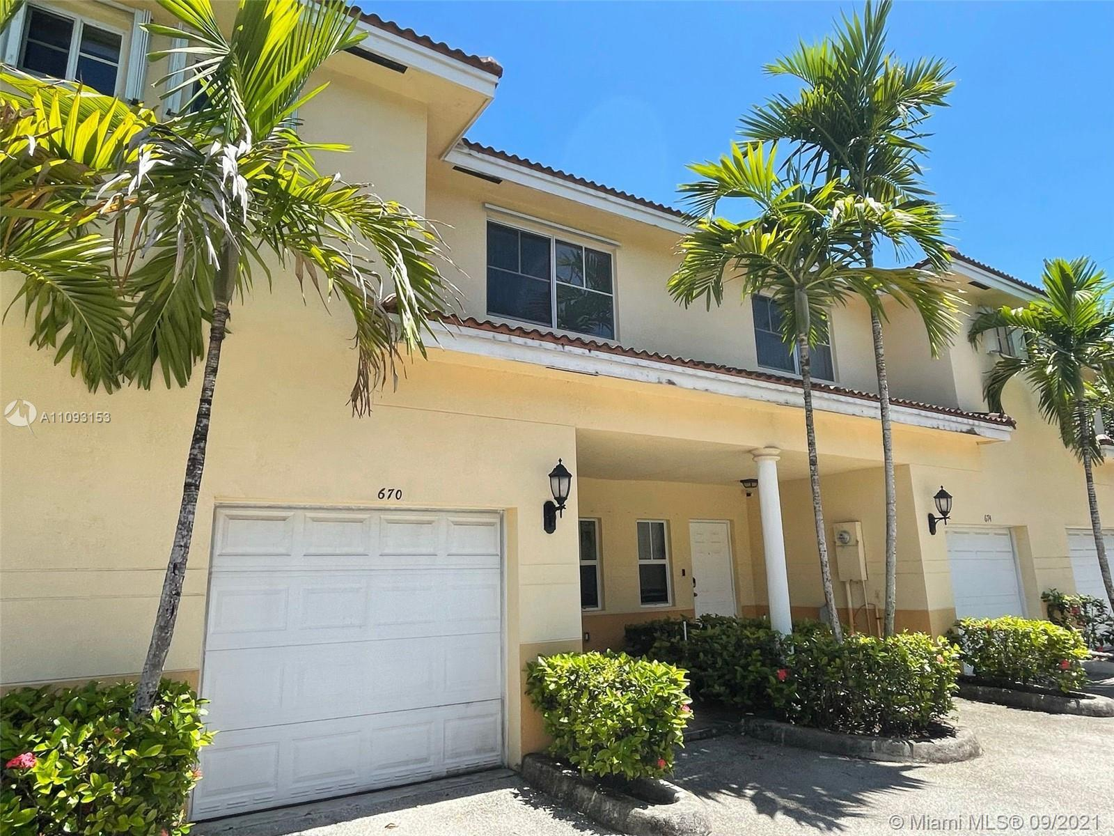 Beautiful 3 Bedrooms 2.5 bath, one car garage plus 2 assigned parking, perfect maintain for a long t
