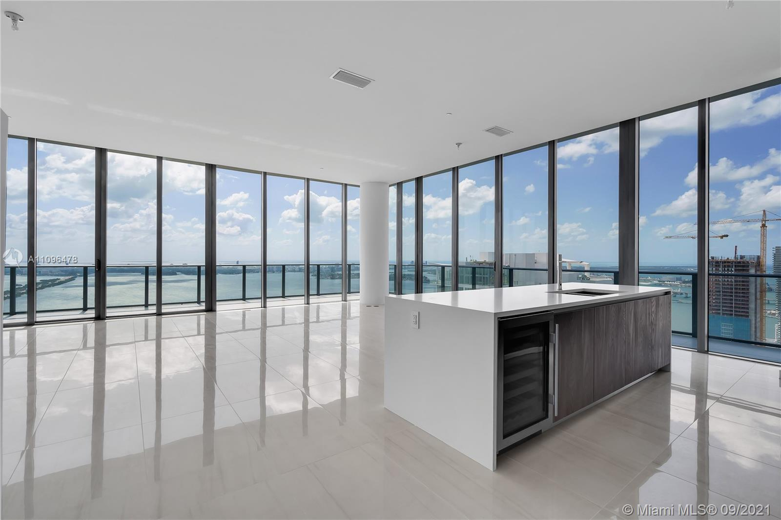 Double floor luxury Penthouse on the 54th floor at Gran Paraiso. This flow-through Penthouse feature
