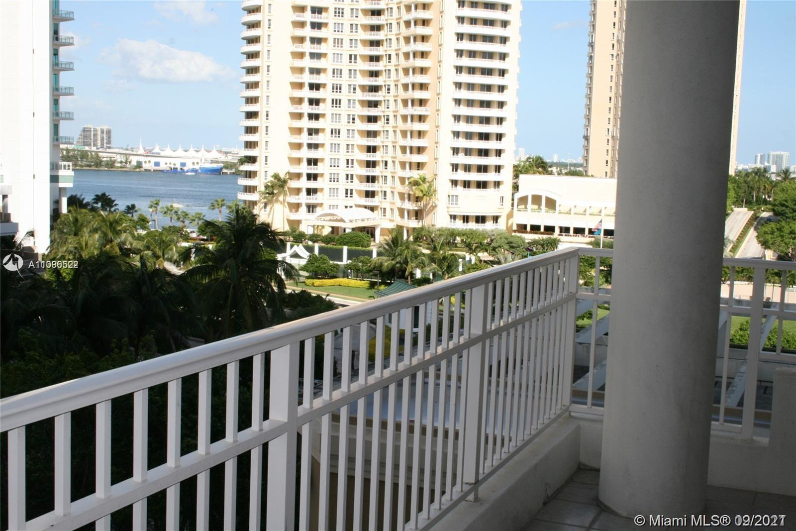 For sale one bedroom, one bathroom plus powder room in Courvoisier Courts in Brickell Key. Carpet fl