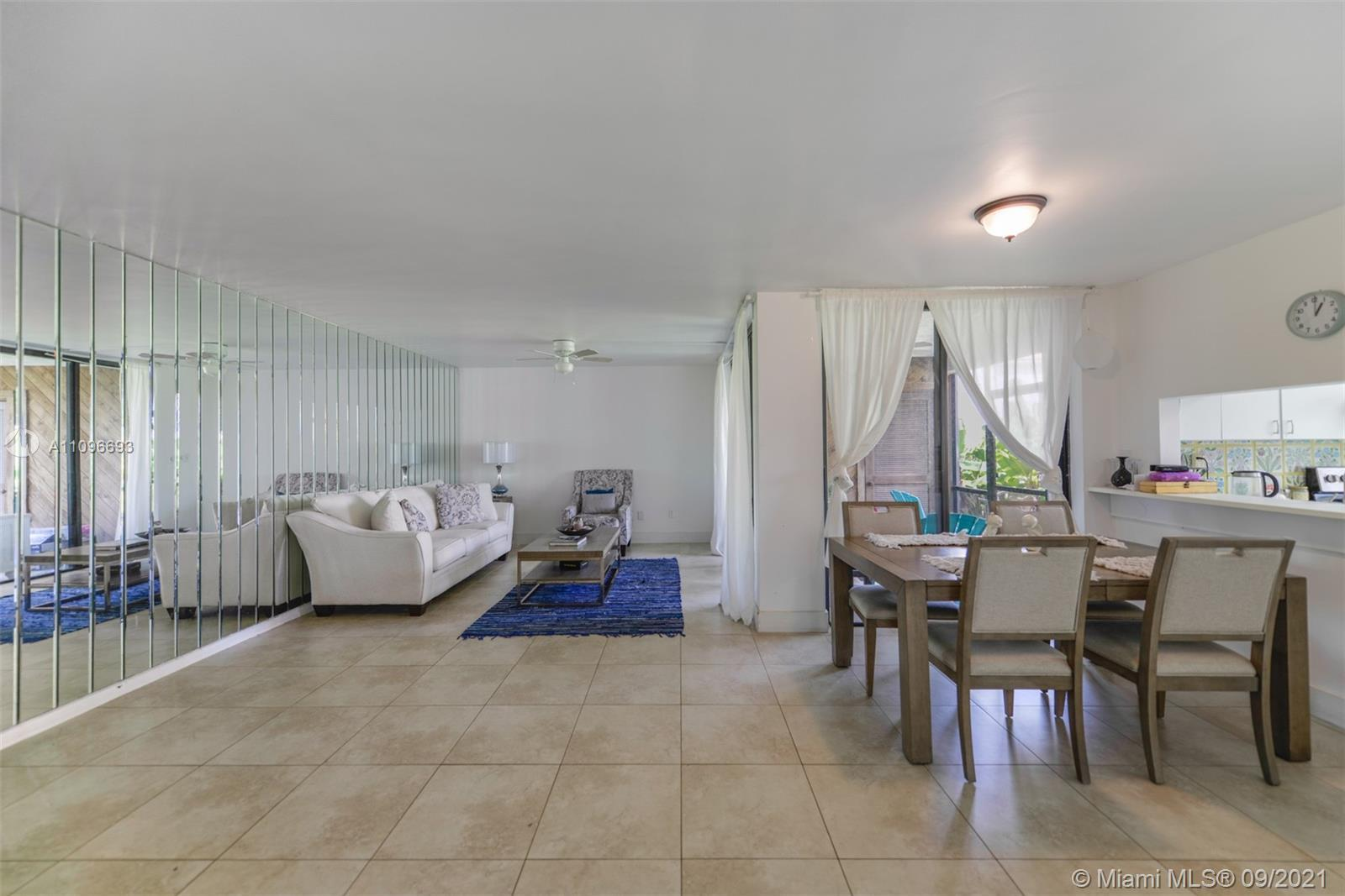 SPECTACULAR OPPORTUNITY TO OWN THIS PERFECTLY LOCATED RESIDENCE IN AVENTURA! 3 BEDS 2 BATHS, WITH RE