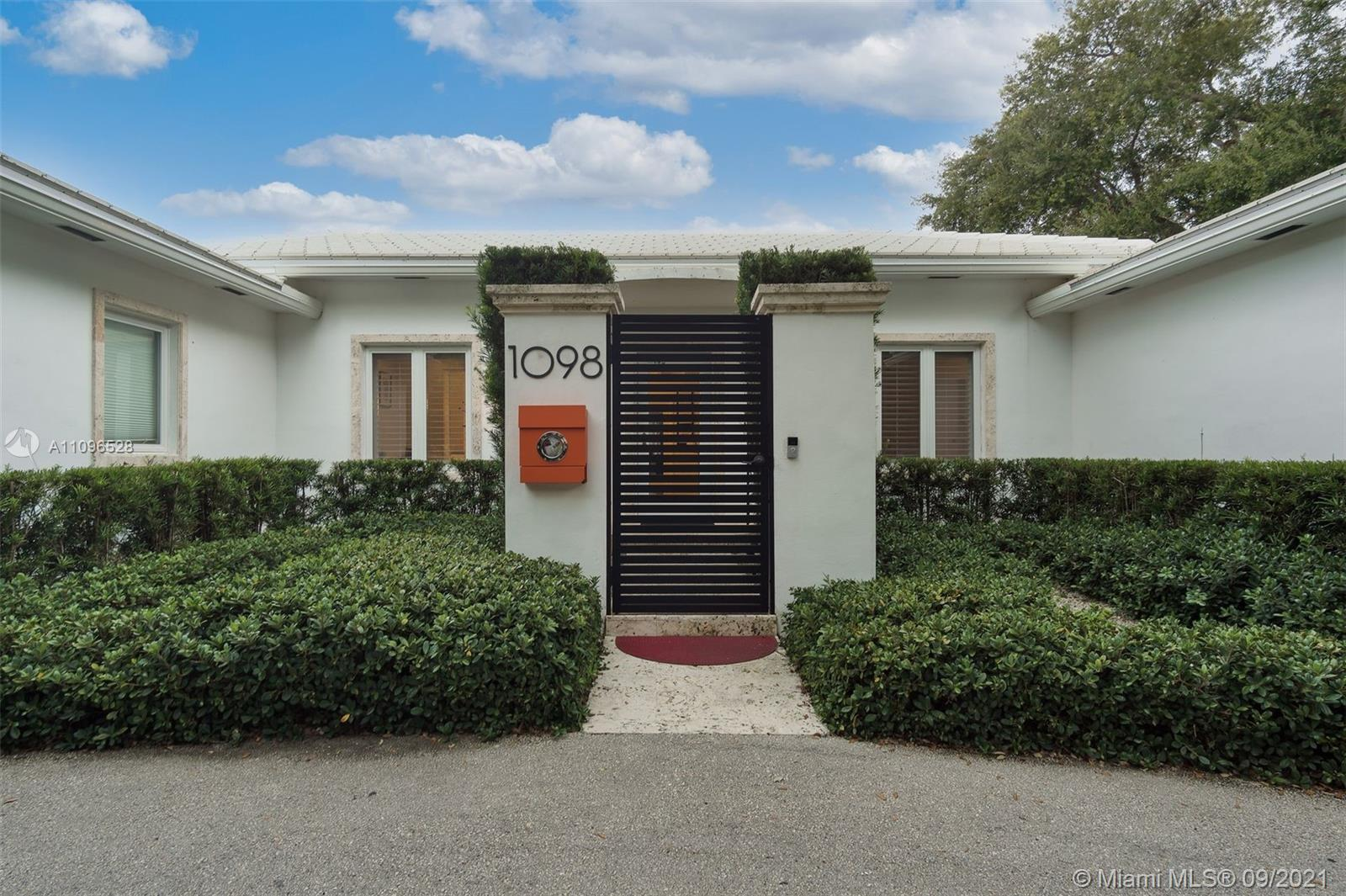 LUXURY OASIS WITHIN WALKING DISTANCE TO BISCAYNE BAY AND THE MIAMI SHORES GOLF AND COUNTRY CLUB.  3