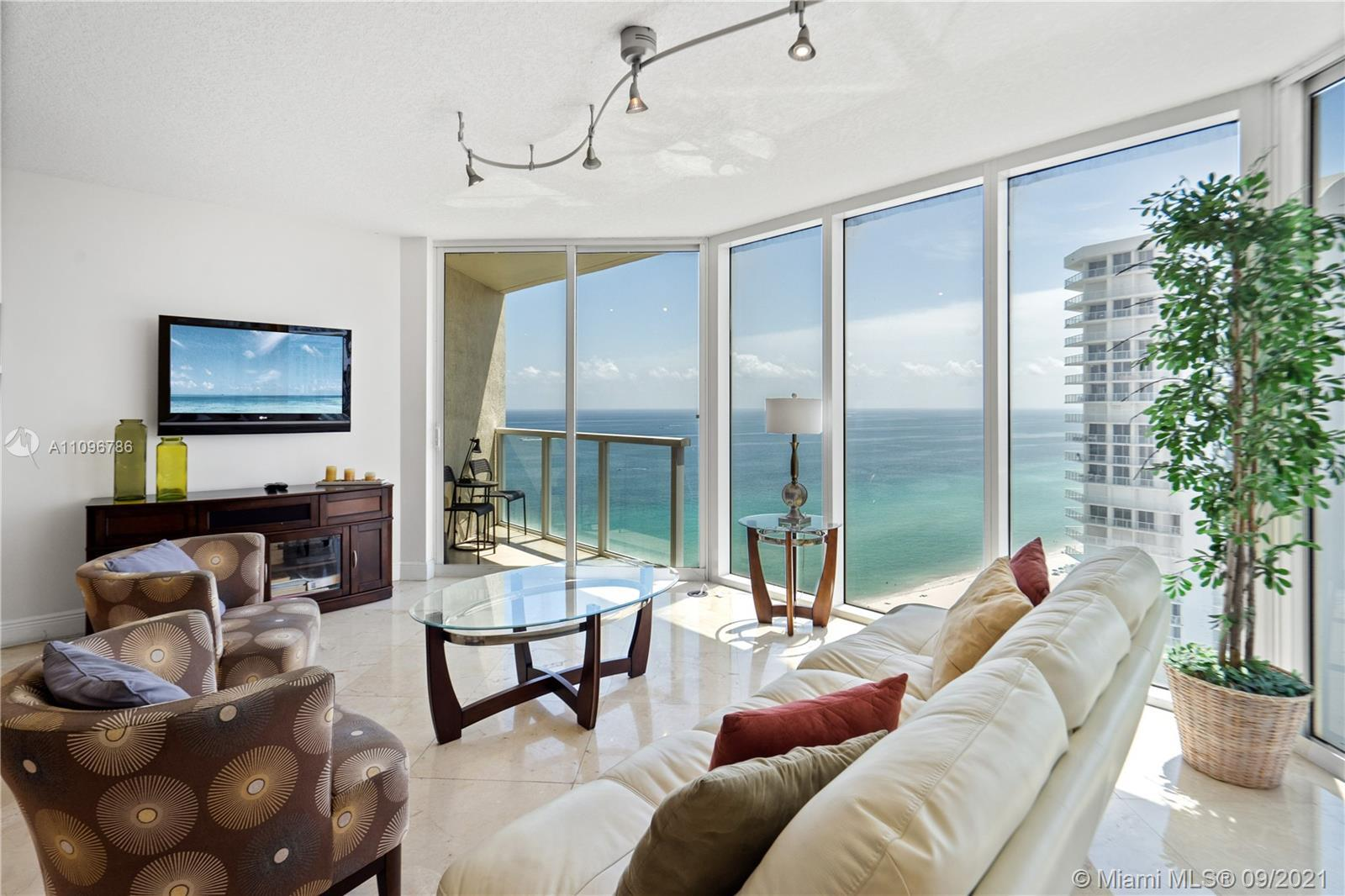 A JOY TO LIVE IN!! BREATHTAKING ENDLESS VIEWS FROM ALL ROOMS OF OCEAN, INTERCOASTALS, BAY, MIAMI DOW