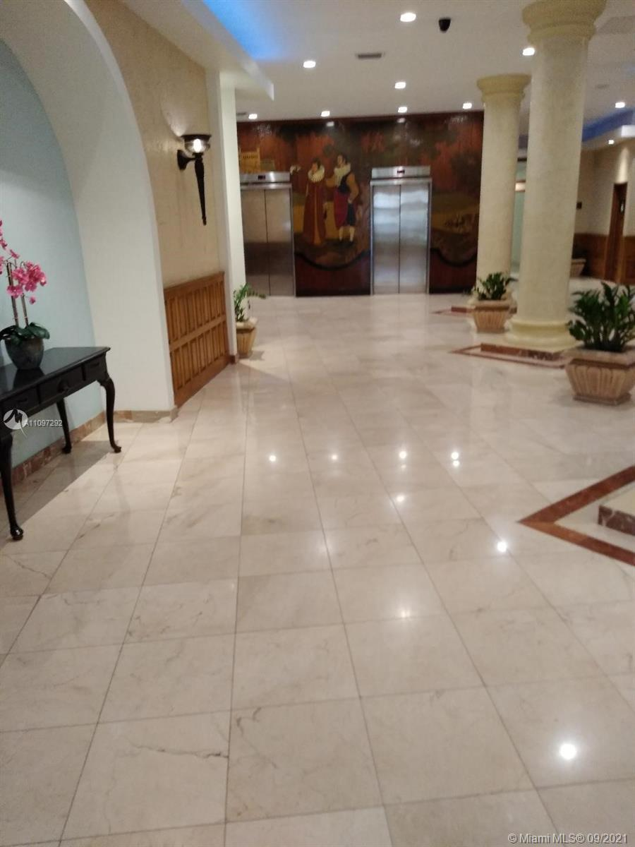 2 Bedroom and 2 Baths , in very good condition , good for investor can be rent 12 times  a year , mi
