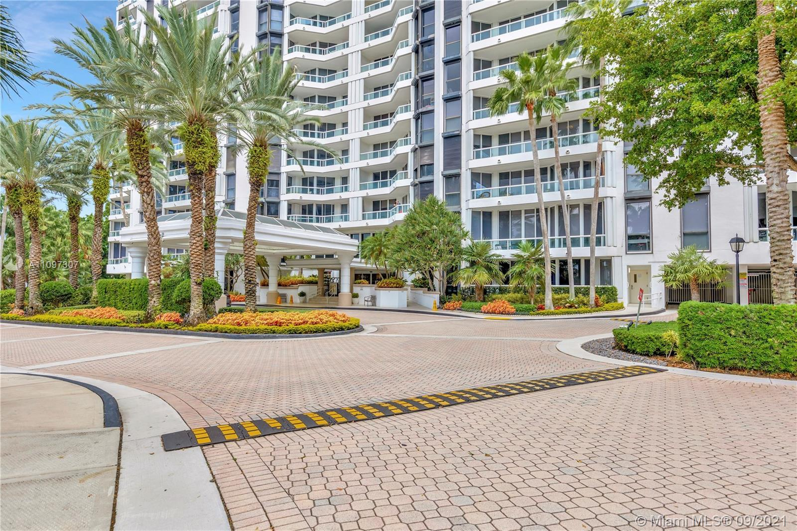 BEAUTIFUL UNIT 3 BD, 2 BA AT THE POINT NORTH TOWER, GREAT WATER AND OCEAN VIEW, NEW FLOORS, GREAT AM