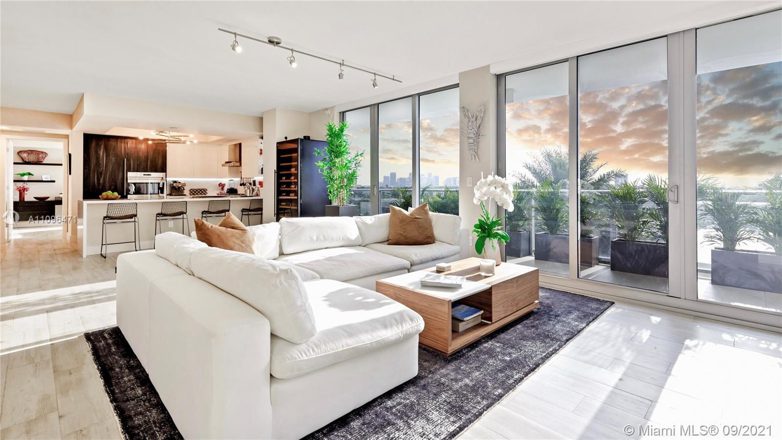 Exquisite 2 Bedroom, 2.5 Bathroom Offered Fully Furnished & Decorated with Panoramic Skyline & Sunse
