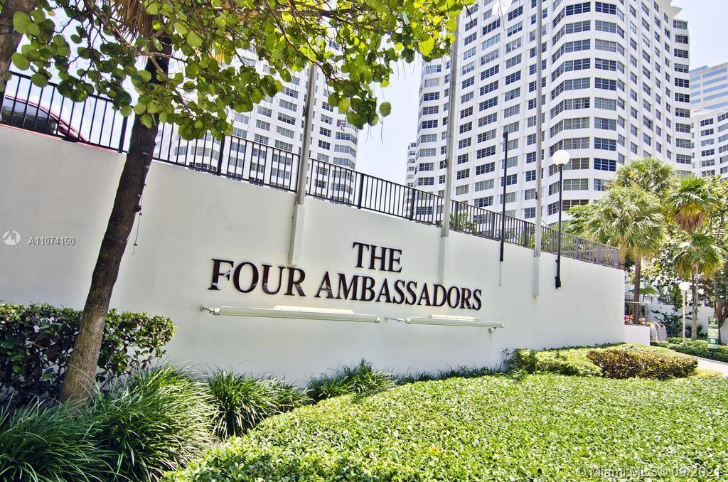 Four Ambassadors Condo / Located in the heart of Brickell / Studio, 1 Bath / 580 sq. ft. of living a
