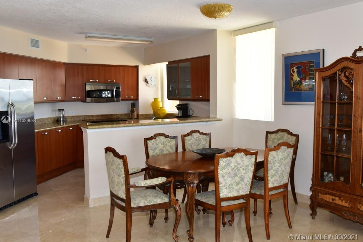 GORGEOUS CORNER CONDO WITH 3 BEDROOMS AND 3 BATHROOMS. AMAZING PANORAMIC OCEAN AND INTRACOASTAL VIEW