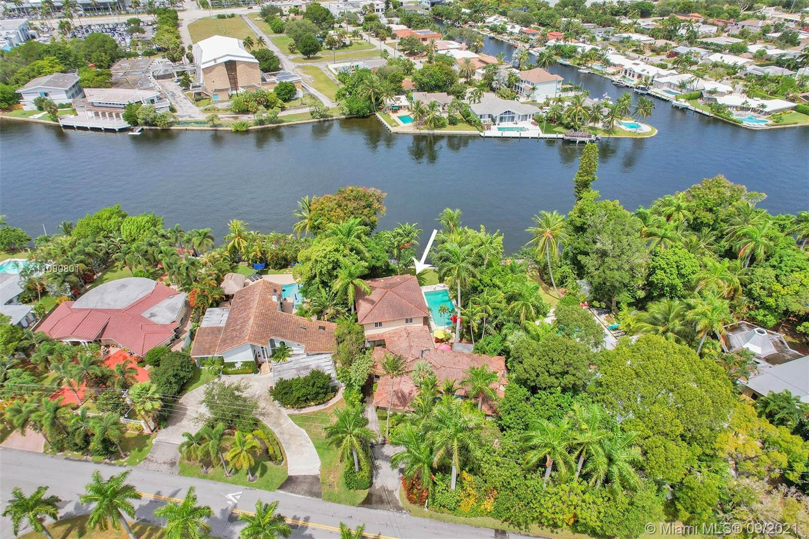 Extremely rare location in unrestricted Watersports zone on 80' of natural middle river with dock an