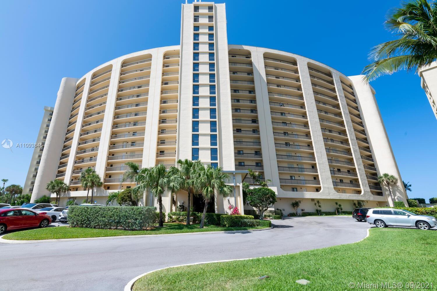 OCCUPIED - KNOCK FIRST - USE SUPRA!!   Stunning ocean views from this 4th floor condo in desirable O