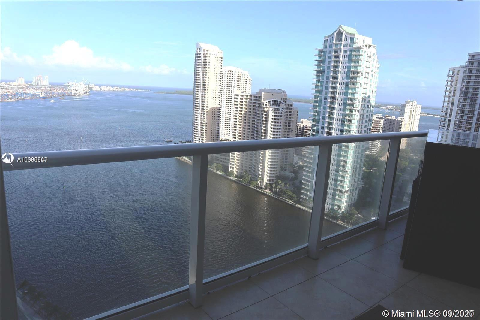 Investor's opportunity! This 2 BR 2 BA split plan unit offers incredible views of Bay & Intracoastal