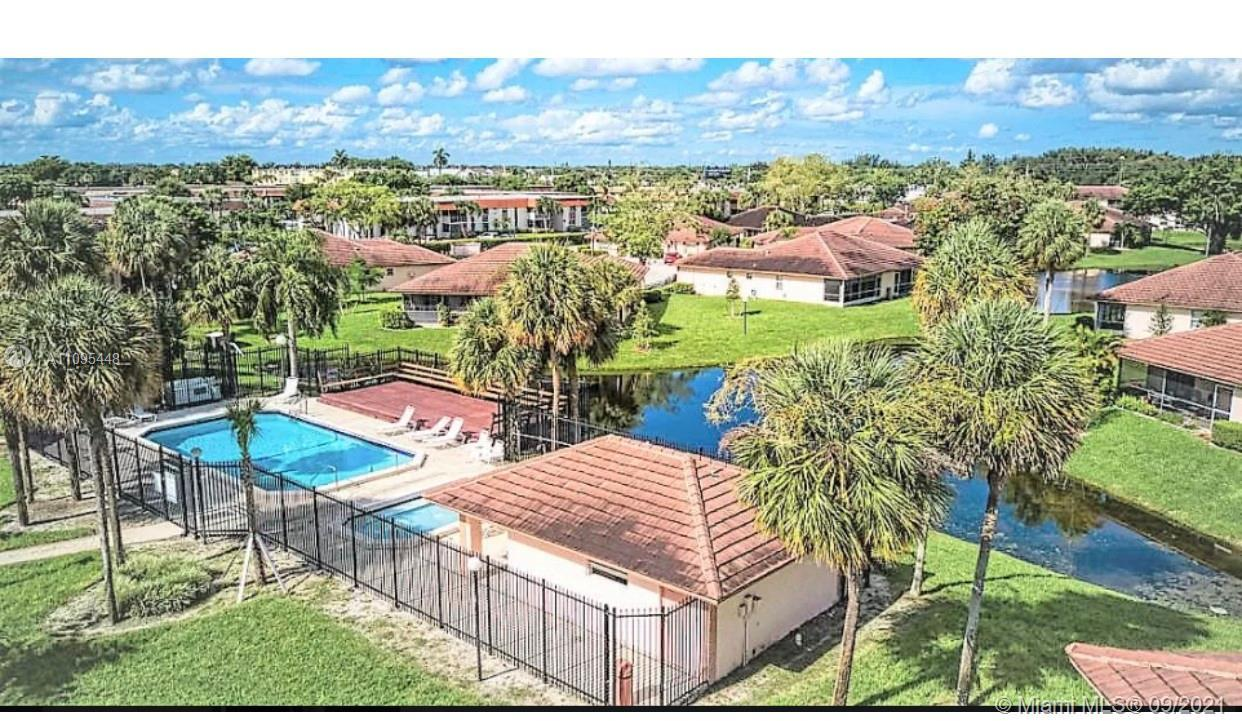 Beautiful unit 3 Bed, 2 full baths, first-floor condo lake view. Excellent location west Boca Raton