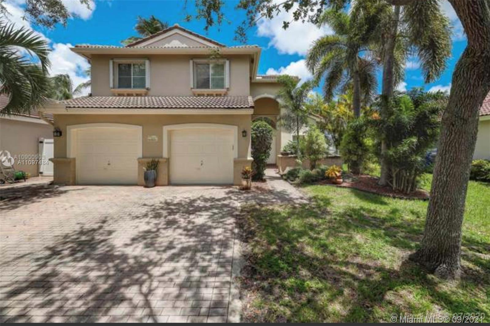 Beautiful and lovely house  for sale!!!!! AMAZING neighborhood !!!! HOUSE IS FULL RENOVATED ……4 bedr