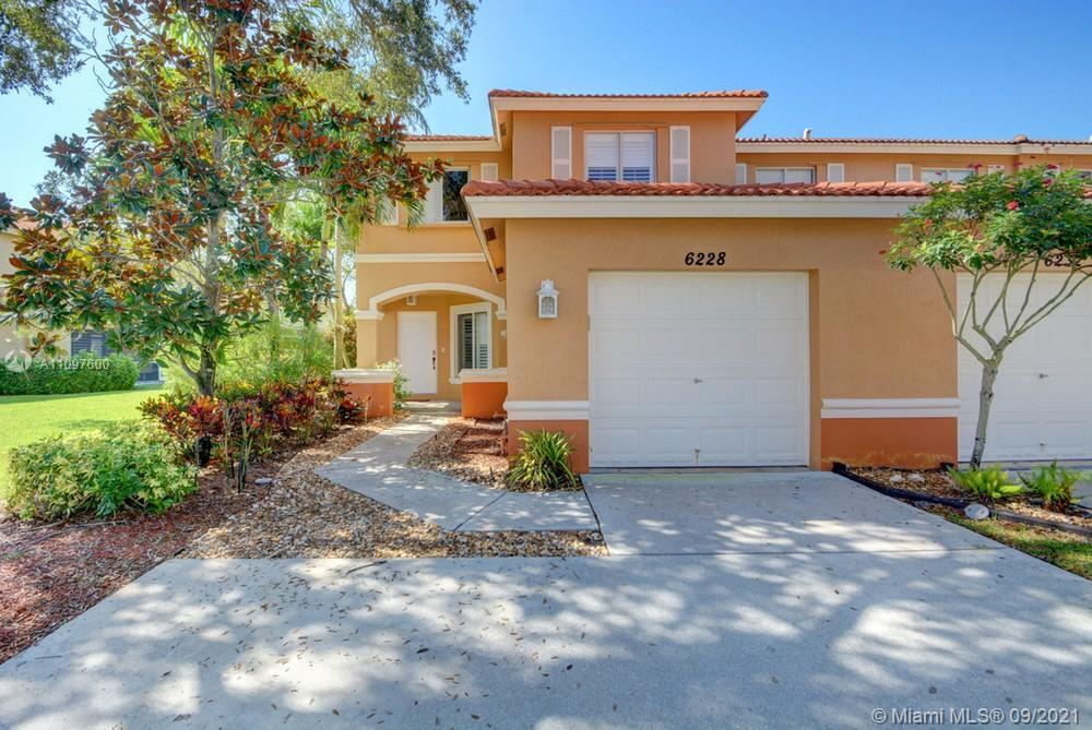 Lovely 4 bedroom, 2.5 bathroom single-family home in West Palm Beach! This perfect starter home or i