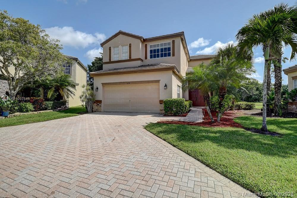 Lovely 4 bedroom, 3.5 bathroom single-family home in Lake Worth! This perfect starter home or invest