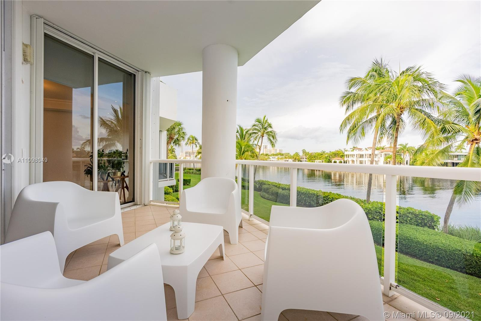 Do you want to see real dolphins and manatees from your window? Do you want to hear the ocean and en