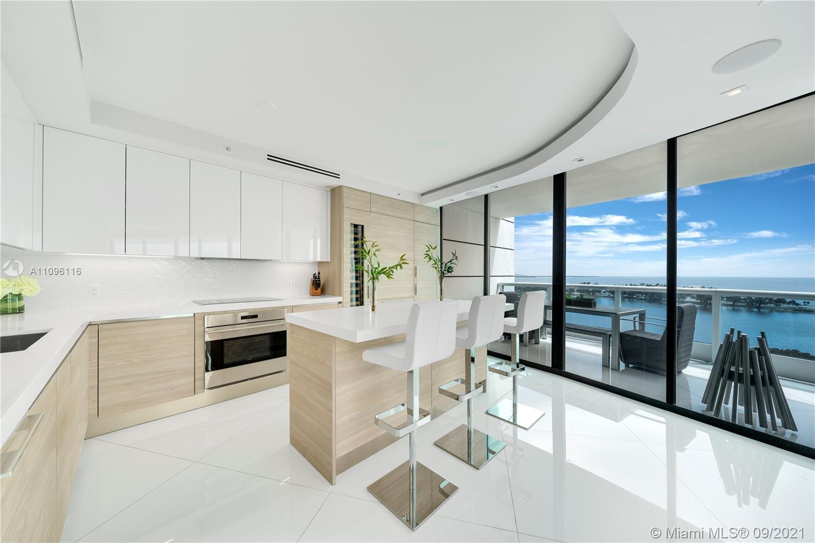 Live along the southern part of Brickell  in this beautiful two bedroom plus den residence in the pr