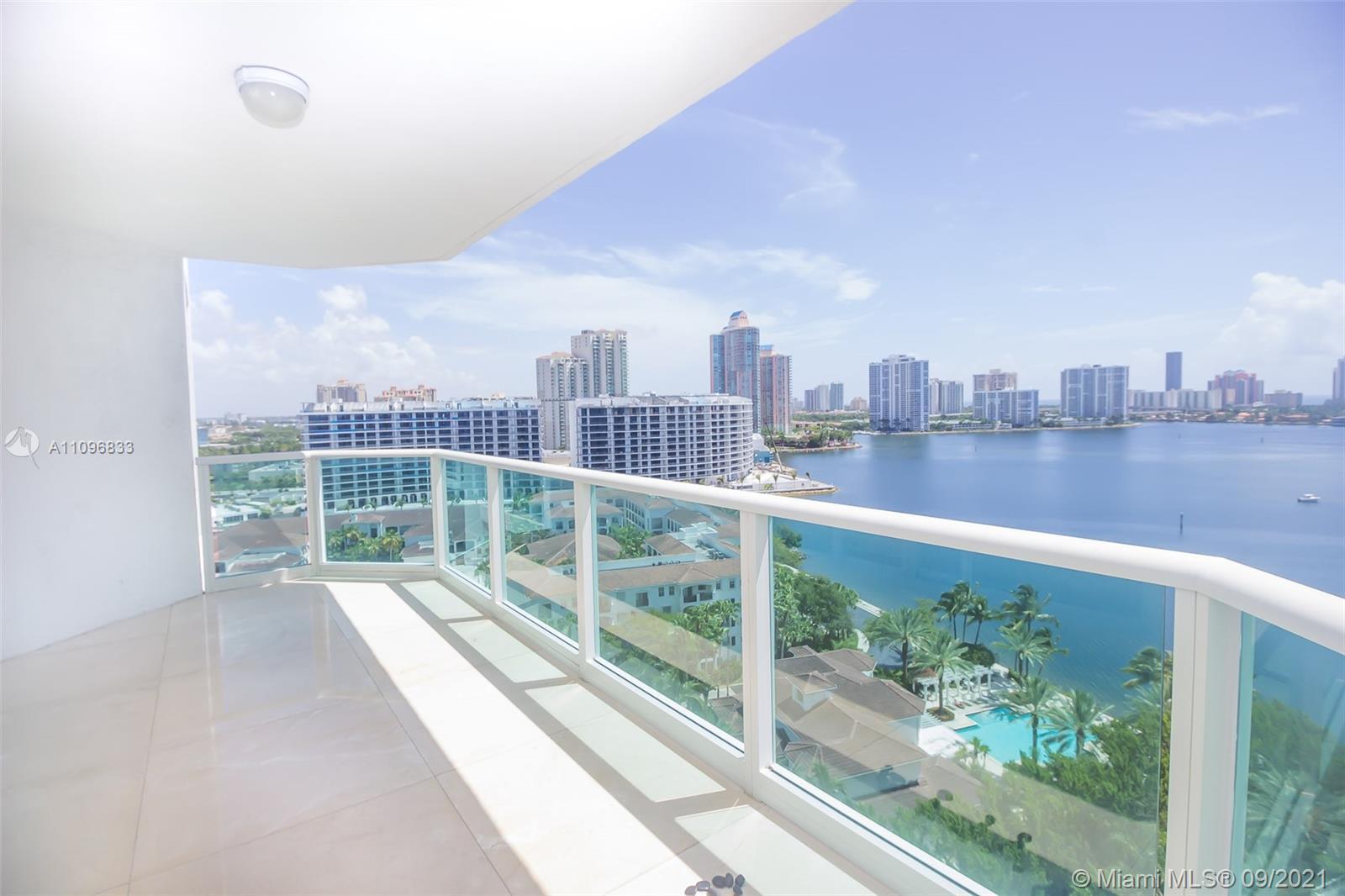 Luxury Corner unit  4 bedrooms, 4 and a half bathroom plus Den. Fabulous direct Ocean Intracoastal a