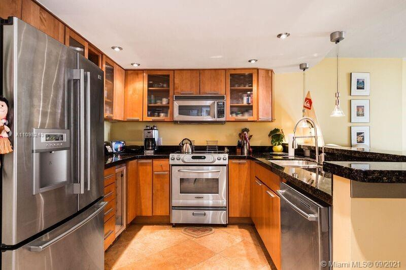 Updated unit with ocean view and parking in remodeled oceanfront south of fifth street building! Thi