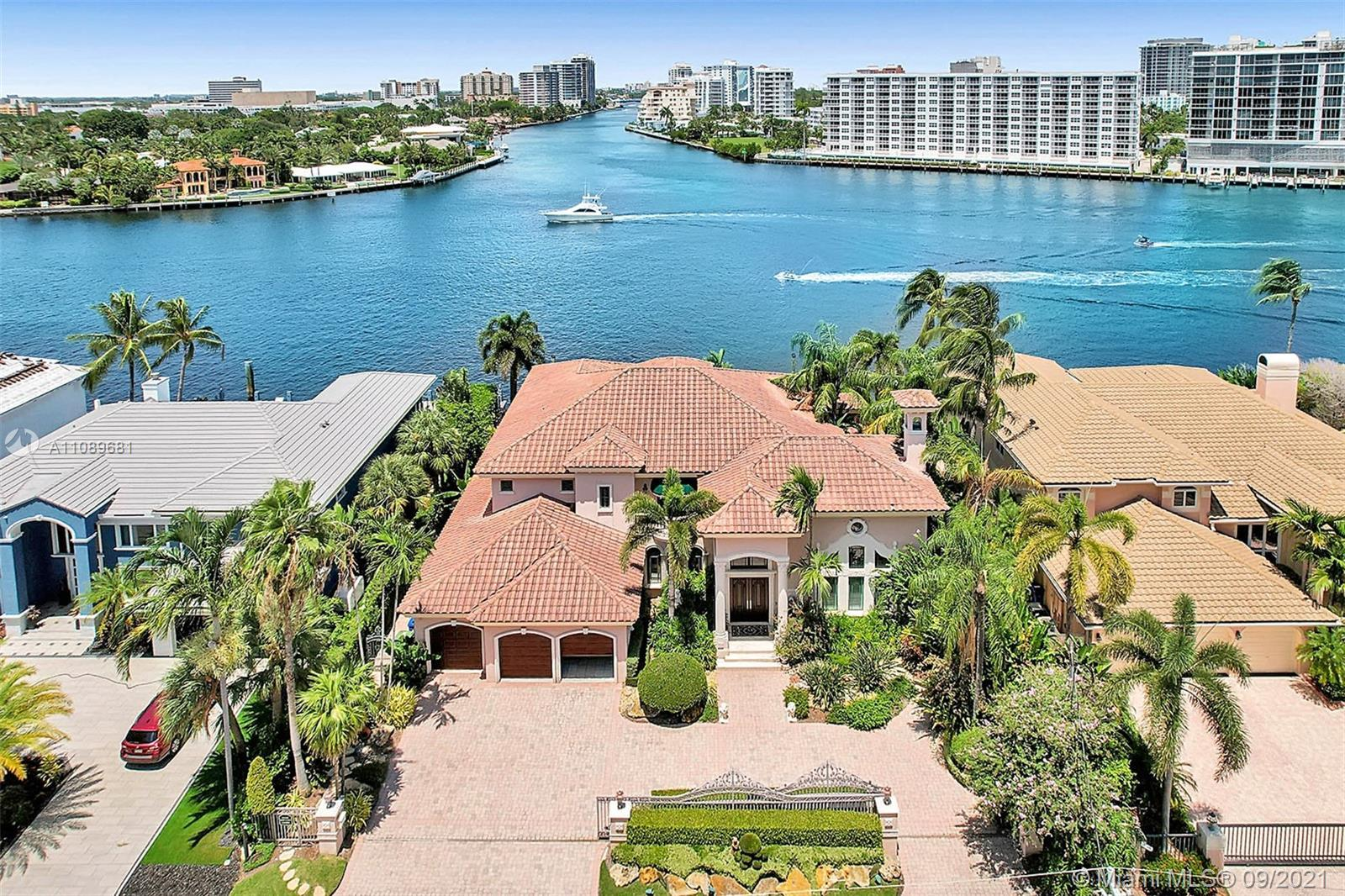 DREAM LOCATION!! Never settle, you deserve the best of both worlds; Exclusive wide-water views of th
