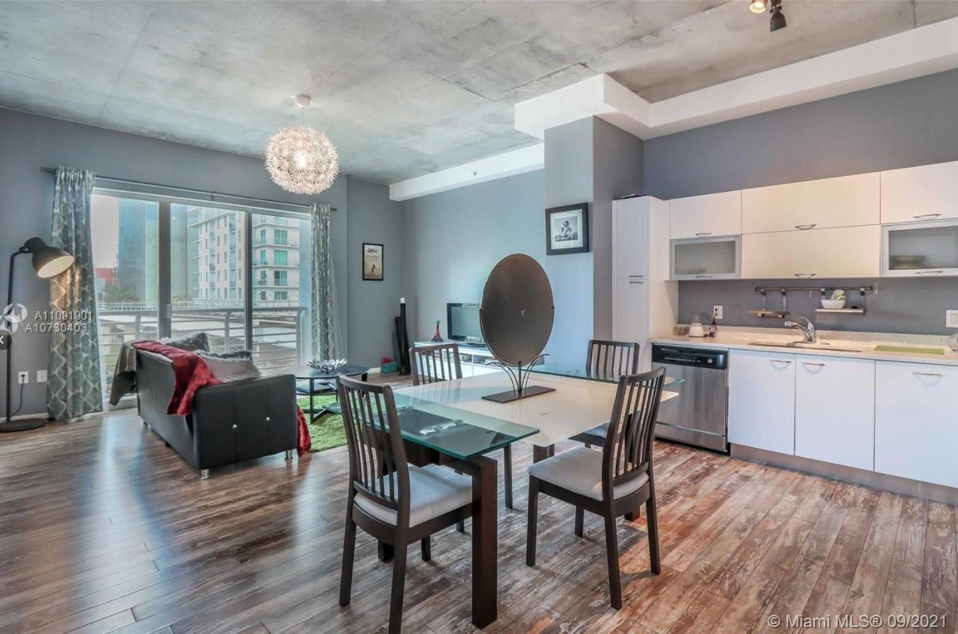BEST PRICED unit in the building! Stunning 1 bedroom 1 bathroom unit at The Loft II in downtown Miam
