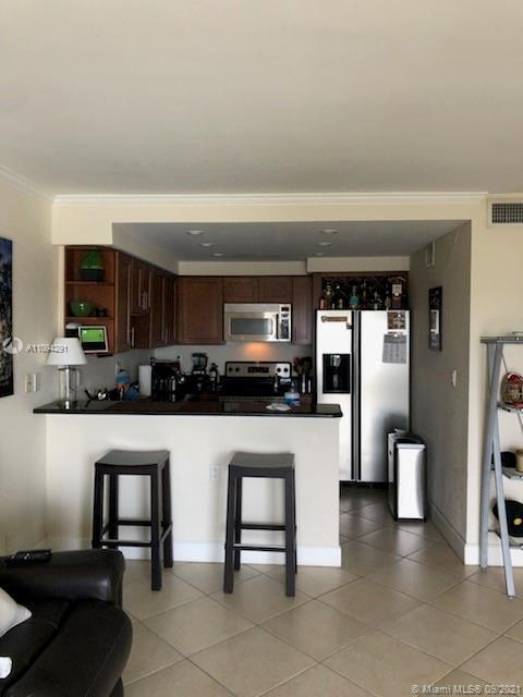 Beautiful opportunity to own this unit overlooking the Intracoastal in the very popular area of East