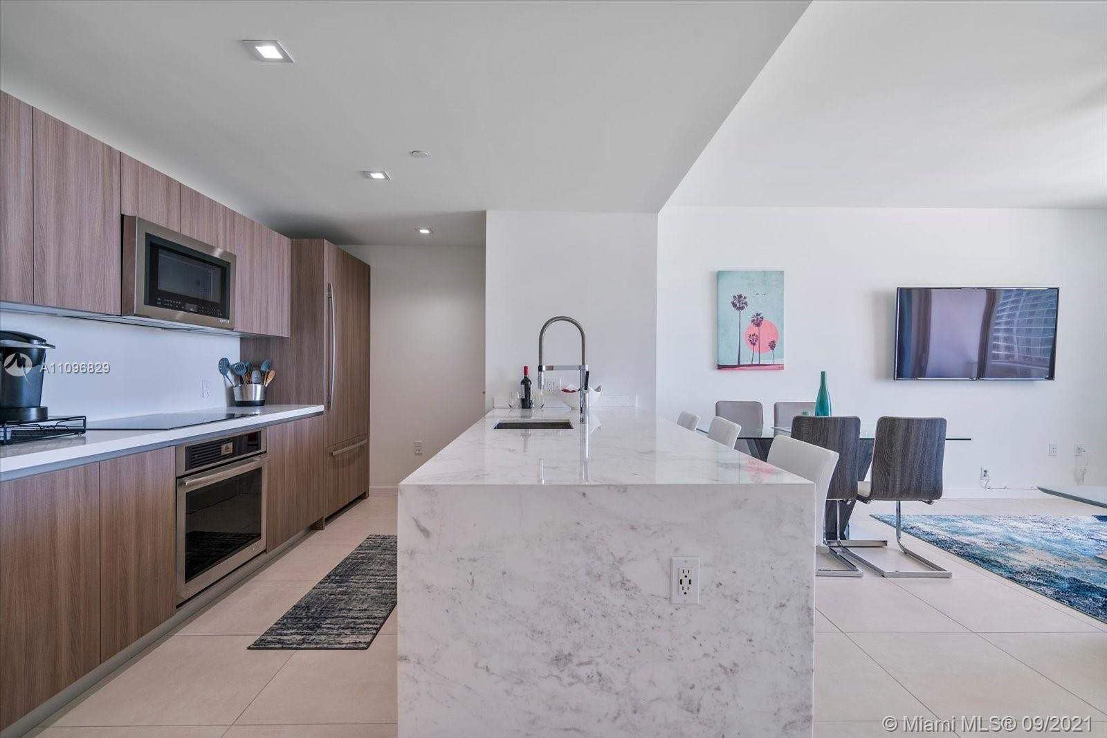 Beautiful 1 Bedroom + Bathroom + DEN only steps to the BEACH! Welcome to 5-star resort living at Tif