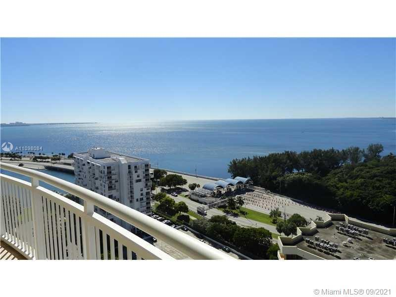 Stunning unobstructed bay views from this completely redone 2 bedrooms 2 bathrooms corner unit split