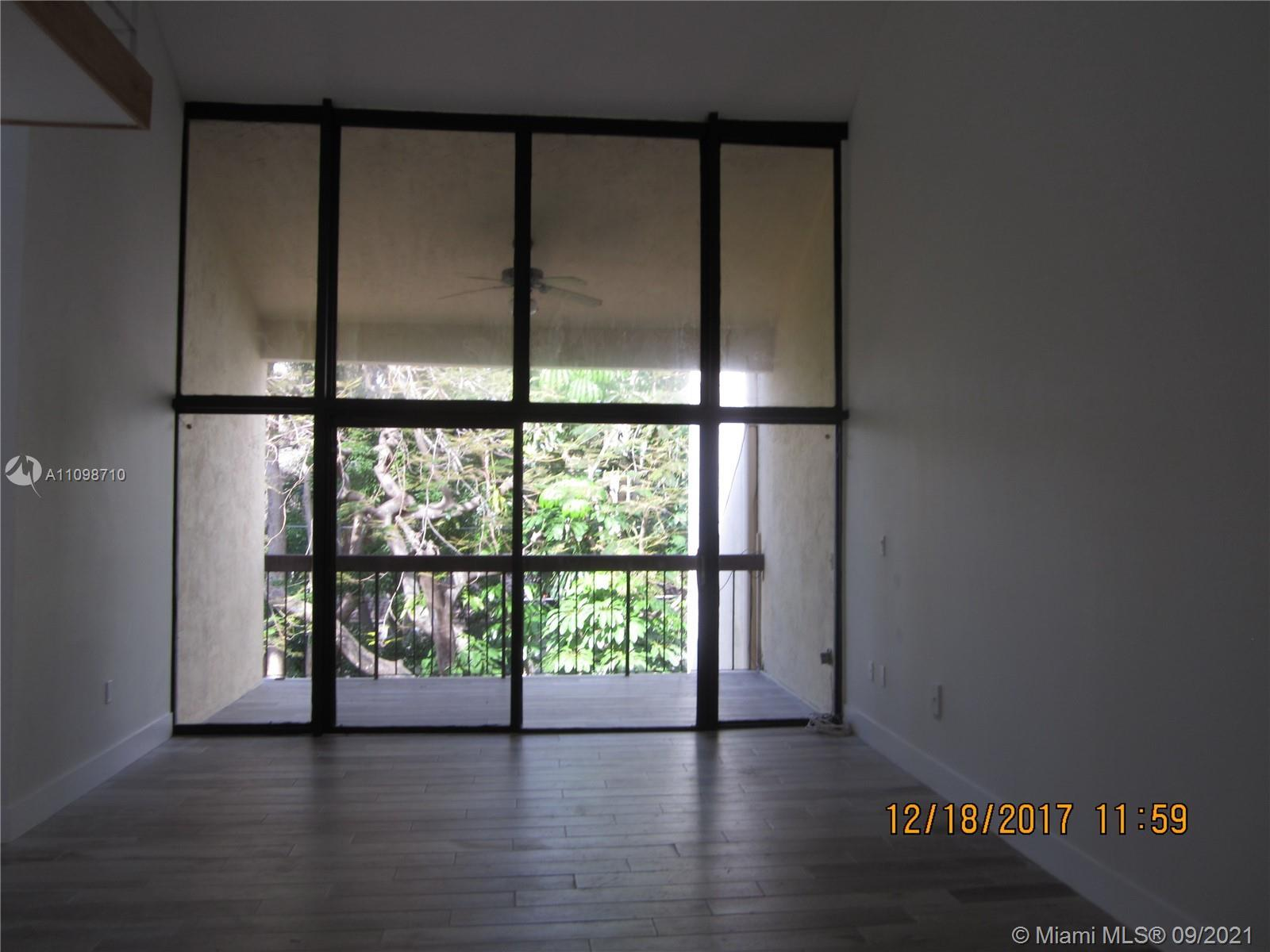 Superb Location, minutes from major highways, downtown Miami and all Brickell has to offer. Instantl