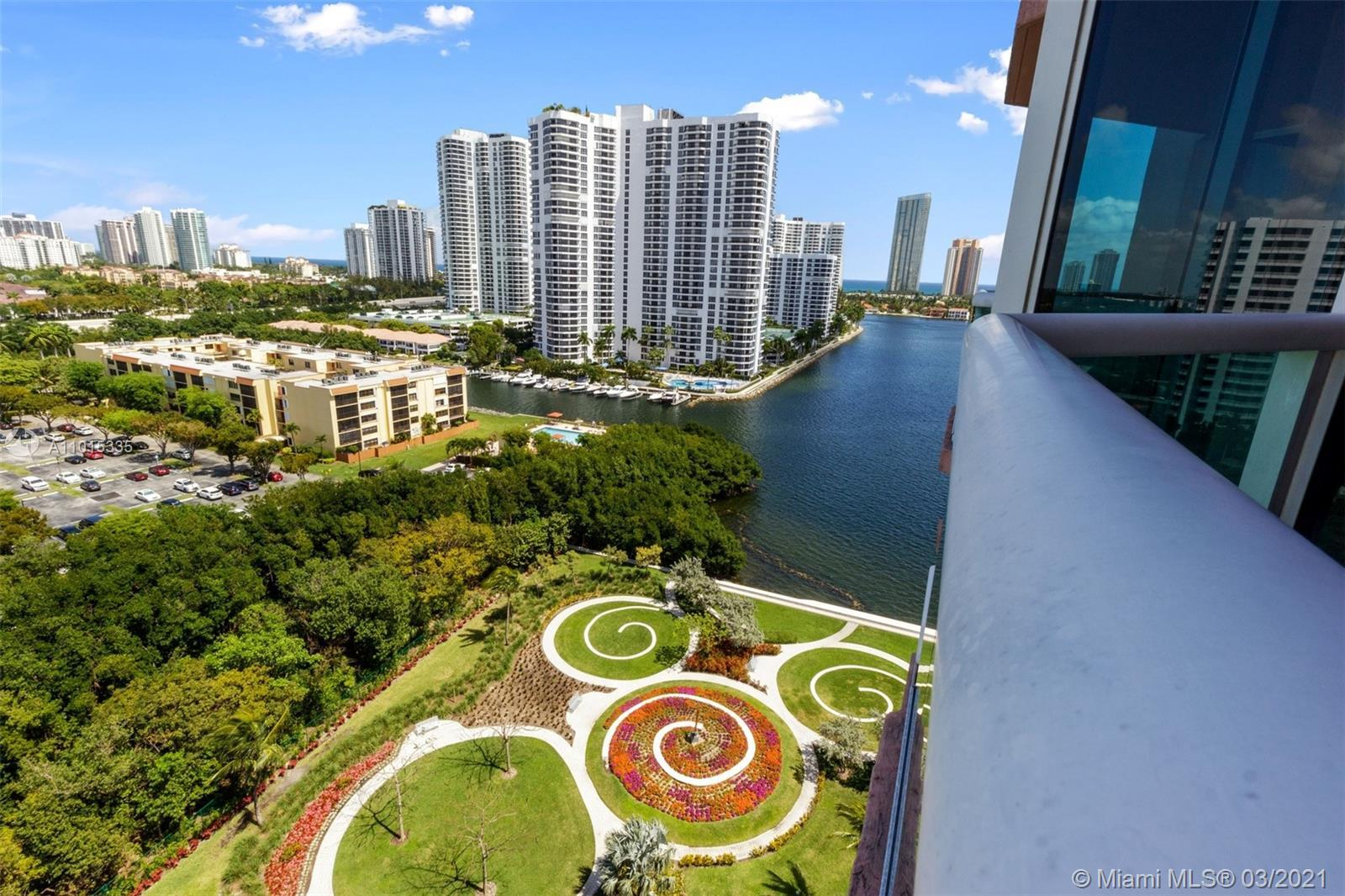 Beautiful unit with 3 private balconies, floor to ceiling windows and lots of natural light! Spaciou