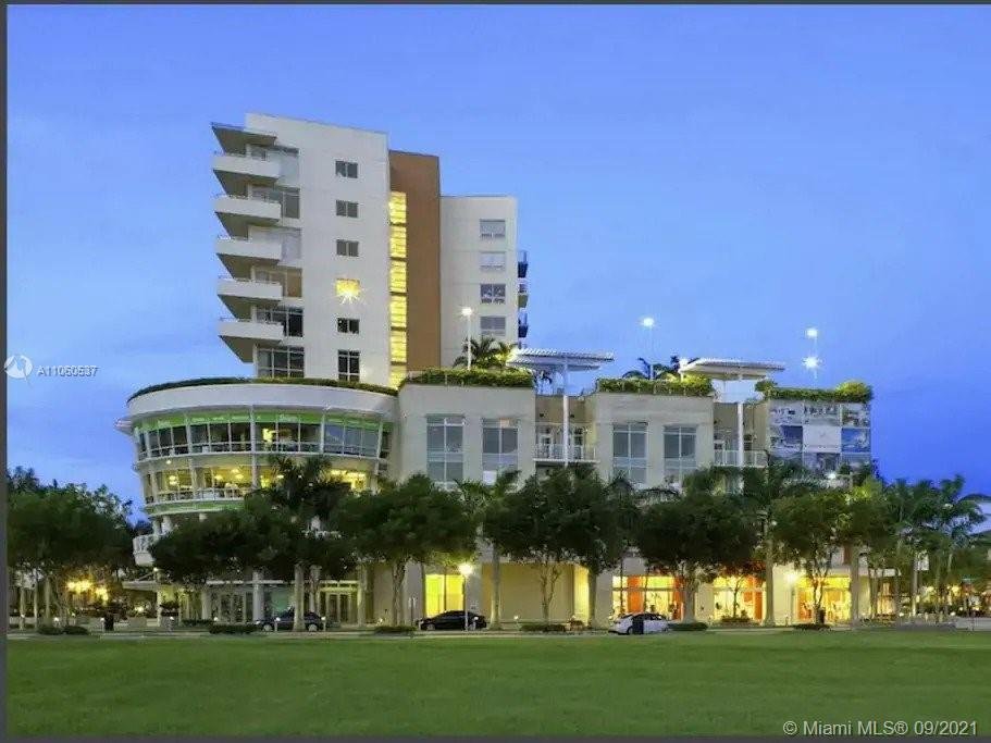 TENANT OCCUPIED. UNIT LIVE & WORK include Office, 2 Bed - 1 Bath in heart of Midtown Miami . Modern