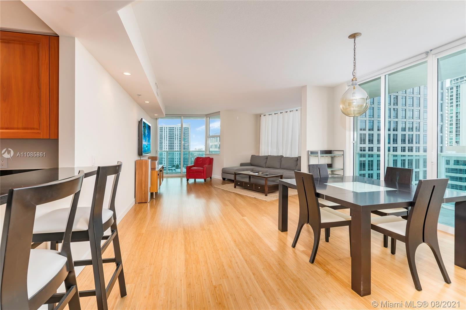 Amazing 30 Line corner unit - the most desirable line in the building. 2 Bed/2 Bath with spacious li