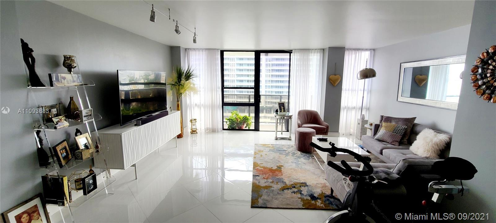 Beautiful views form Biscayne Bay with a SE exposure .. 2 bed / 2bath and 2 assigned parking garage.