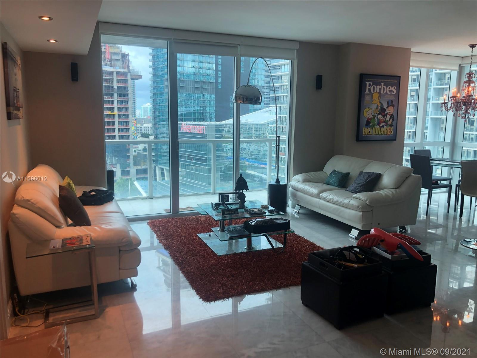 Spectacular Corner Unit located in the Heart of Brickell Living! Incredible Views of the Miami Brick
