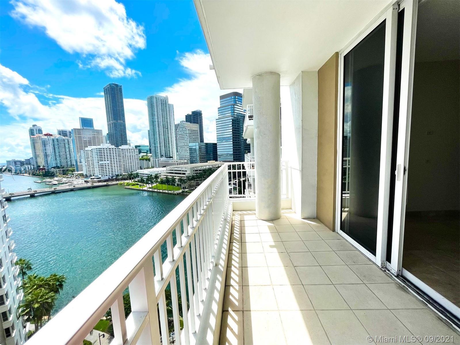 This one won't last !!! 1Bedroom 1.5Bath Condo in the exclusive Brickell Key island. 14th Floor, Fea