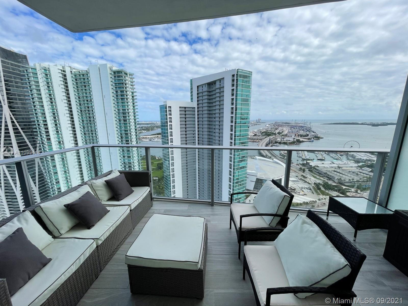 Spectacular 1,690 SQFT 2 Beds + Den + 3 Full Baths with water views residence! Subzero refrigerator.