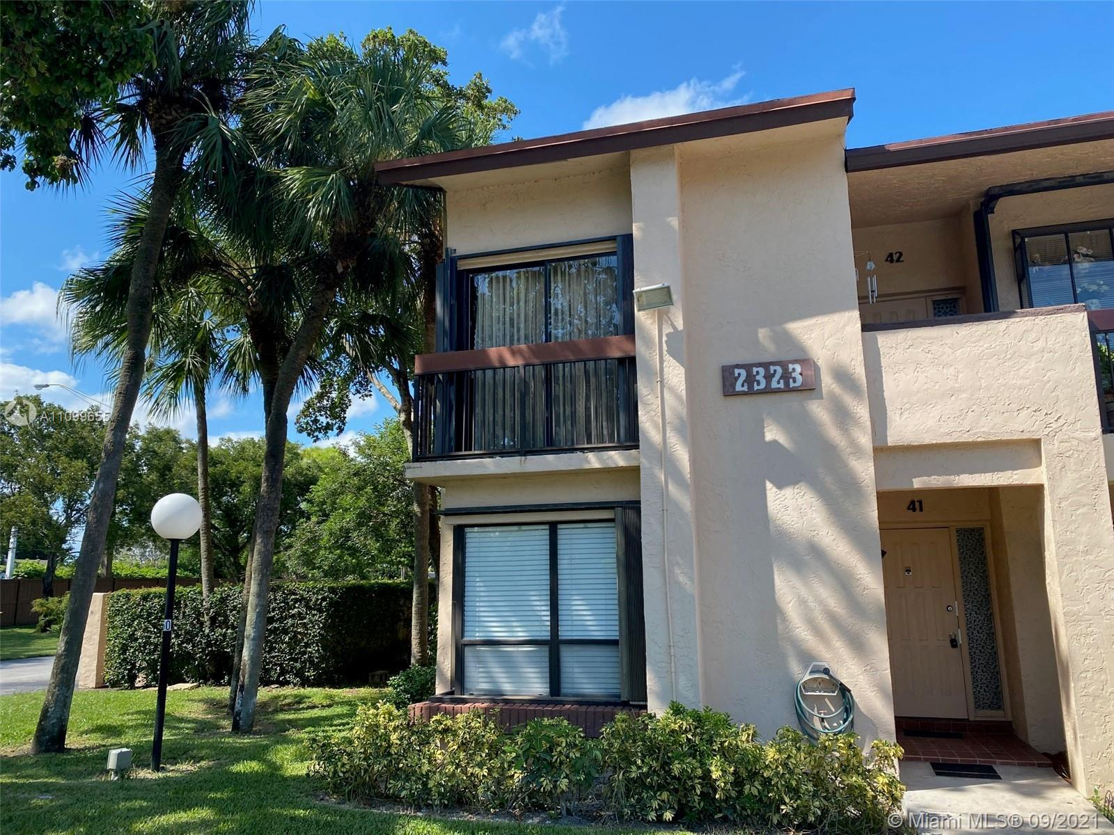 New excellent complete upgraded condo 2/2 in 1st floor (corner unit) with new beautiful bathrooms &