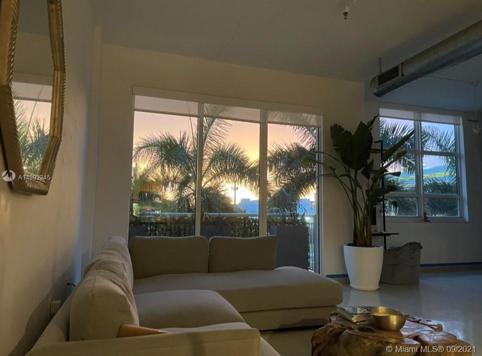 SHORT TERM RENTALS  SPACIOUS LOFTWITH 12FT. CEILINGS , SECURTY FRONT DESK, VALET, HEATED  POOL JAC