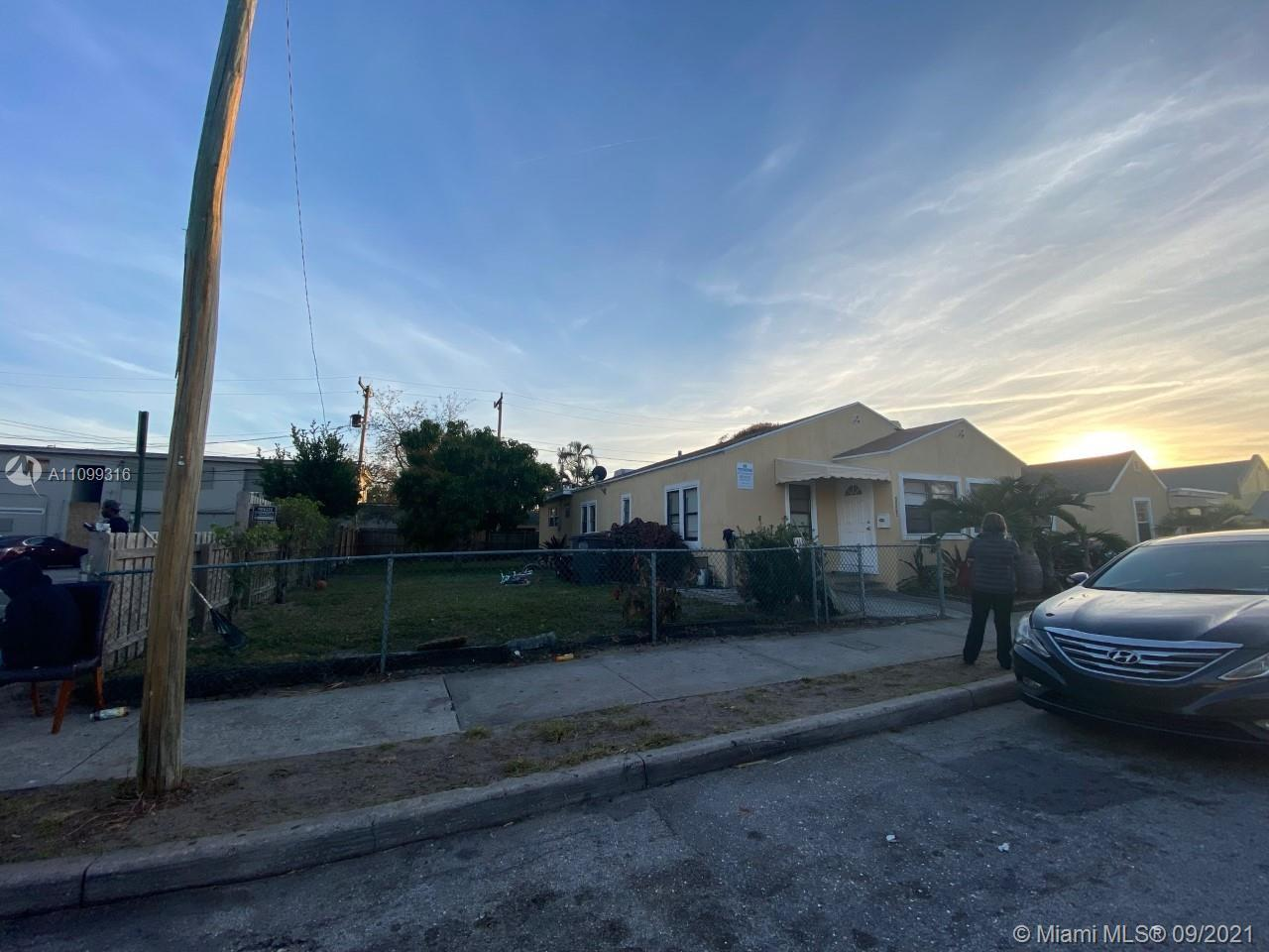 Great investment home. 3/2 with tenants in place but can be delivered vacant. Oversized lot. No asso