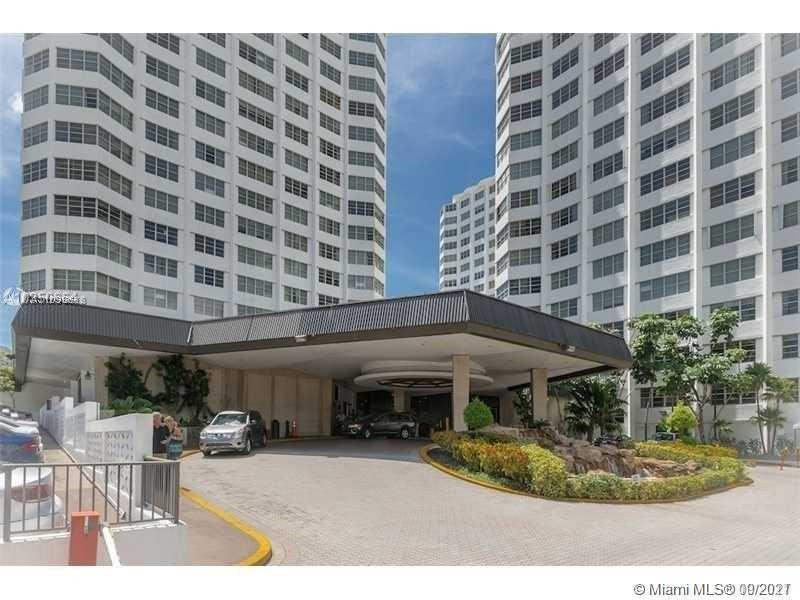 DIRECT OCEAN VIEW 2BD 2 BAS CONDO AT THE FOUR AMBASSADORS. MAINTENANCE INCLUDES ELECTRICITY, WATER .