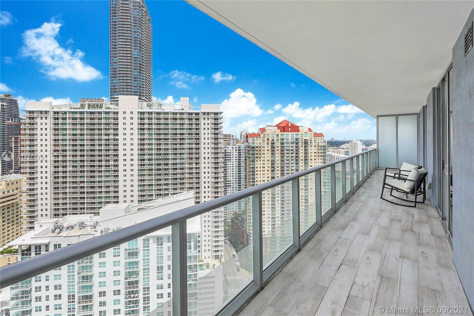 Spectacular & furnished 2 Bed + Den / 2.5 Bath unit at Brickell House with gorgeous Brickell skyline