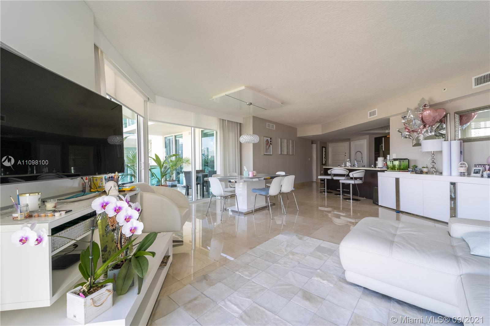 Moving to Florida? Or just moving? Take a look. Best priced 3 bedroom/2 bathroom in the heart of Sun