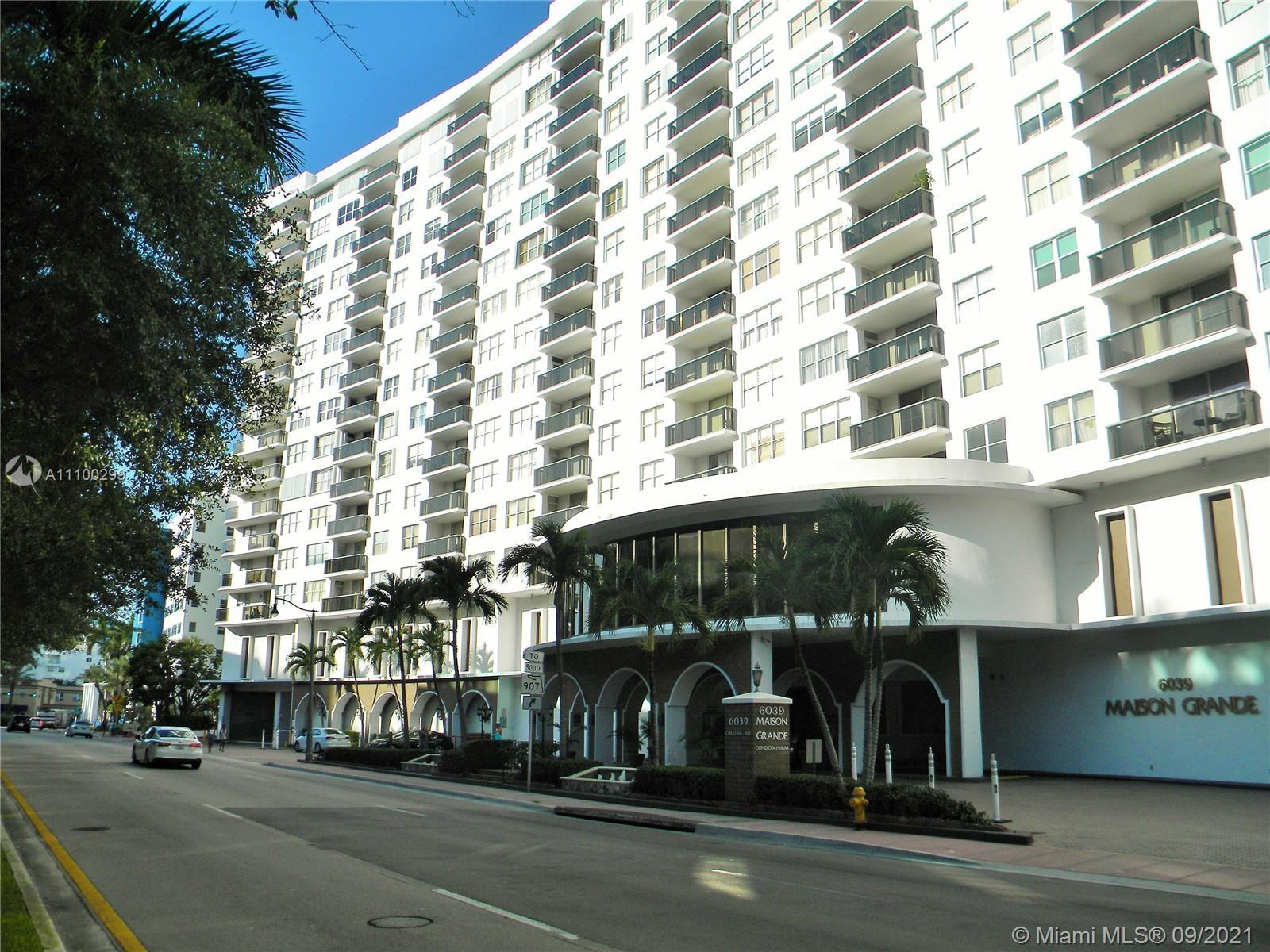 Beautiful 2 bedroom 2/ baths almost 1300 sf. unit in Millionaires Row.  Large den has been closed of
