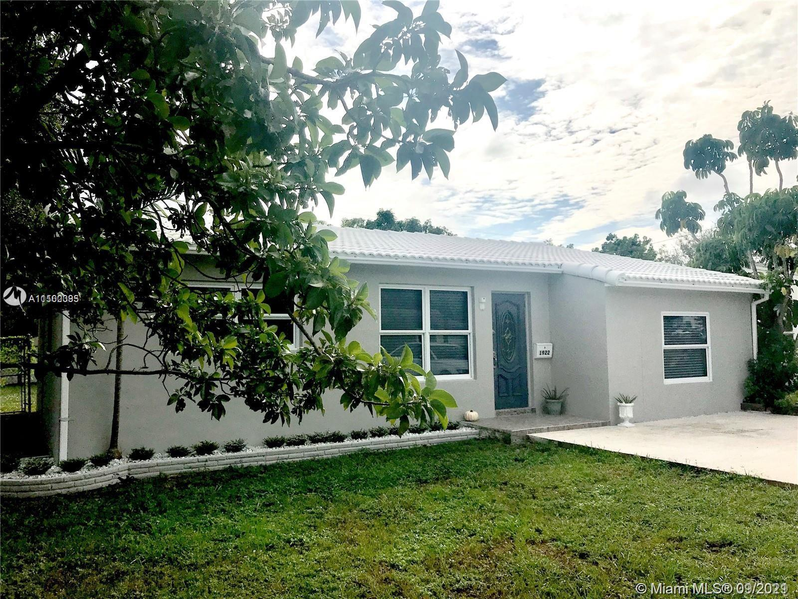 AMAZING OPPORTUNITY FOR THIS REMODELED 3 BEDROOMS 2 1/2 BATHS HOME* THIS HOME FEATURES IMPACT WINDOW