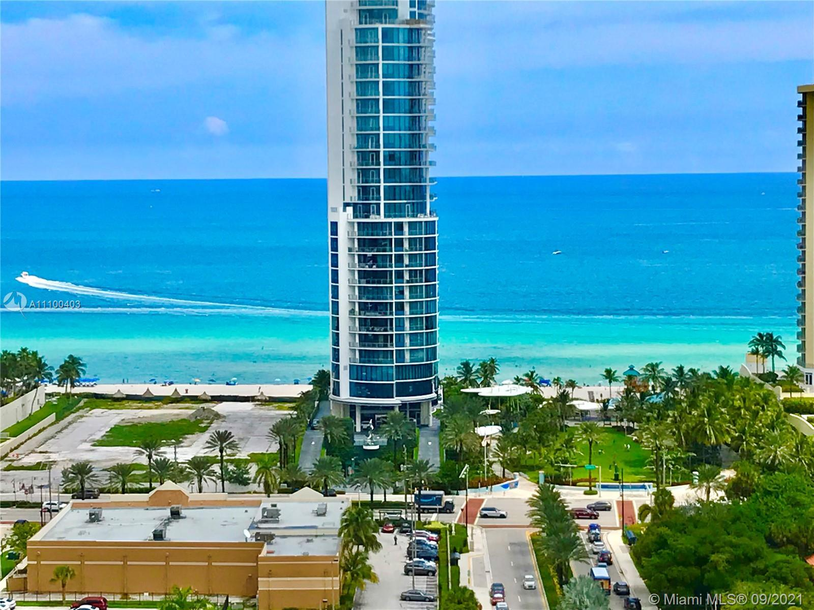 Top floor, Penthouse Two Bedroom/ Two Bathroom Winston Towers 400 with panoramic views: direct view