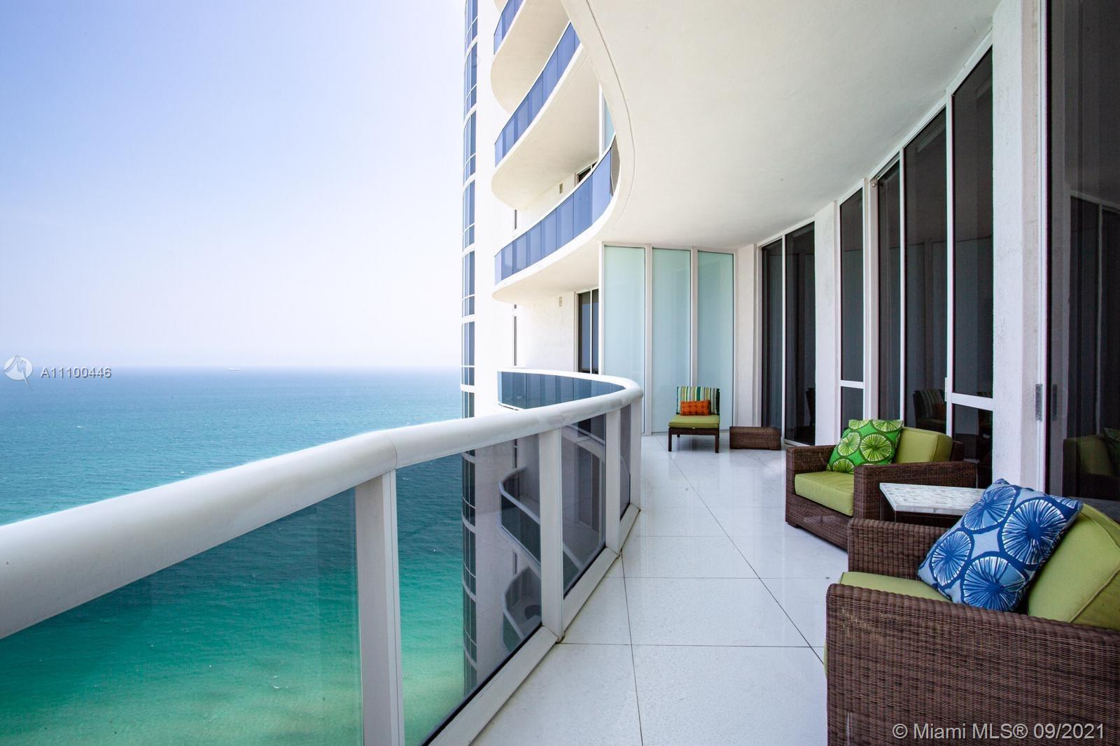 Beautiful Ocean views condo in exclusive Sunny Isles! This bright 3 (1 large den) bedrooms with 3 fu