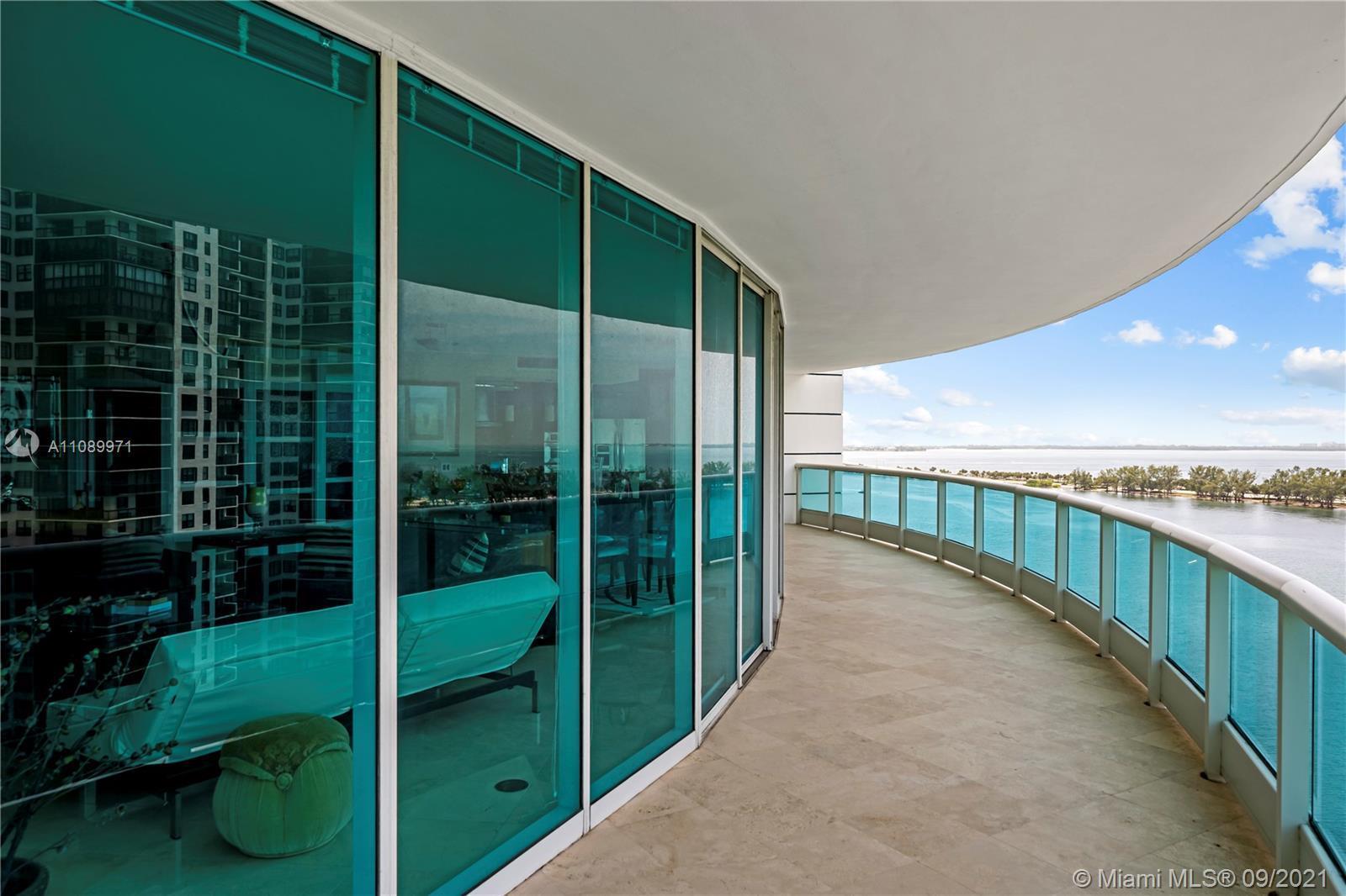 Fantastic opportunity to acquire a 2-bedroom w/office or den in prestigious Bristol Tower. Office/De