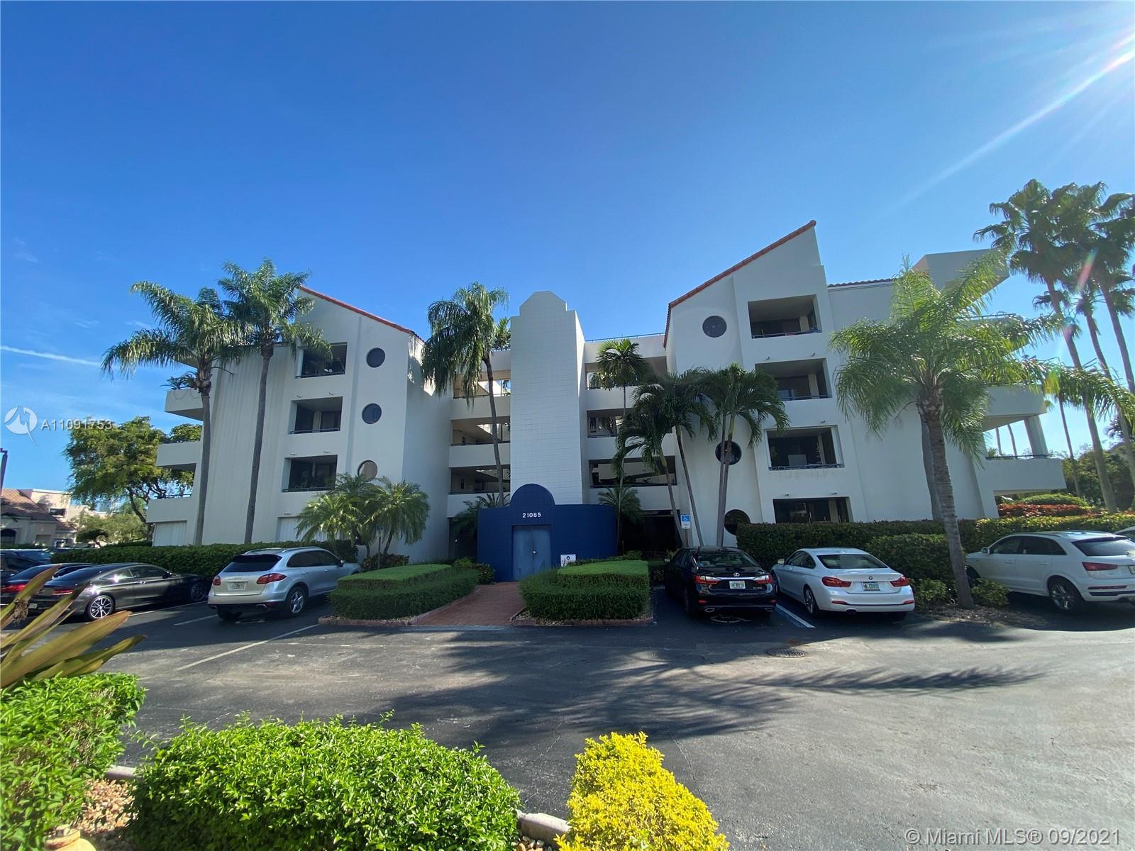 Great spacious 2/2 renovated unit, lots of light and big balcony, washer and dryer in the unit , gua
