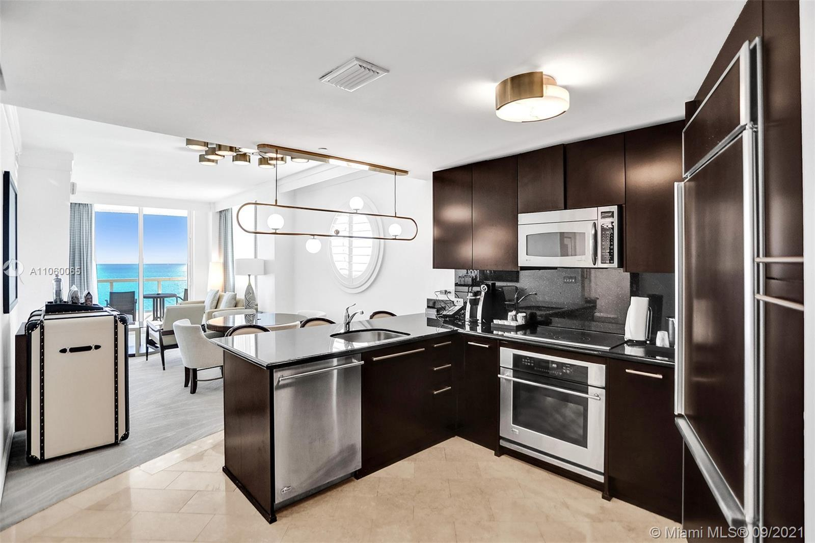 Beautiful 1BD/2 BA w/unobstructed direct views of the ocean at Fontainebleau III. Enjoy full service