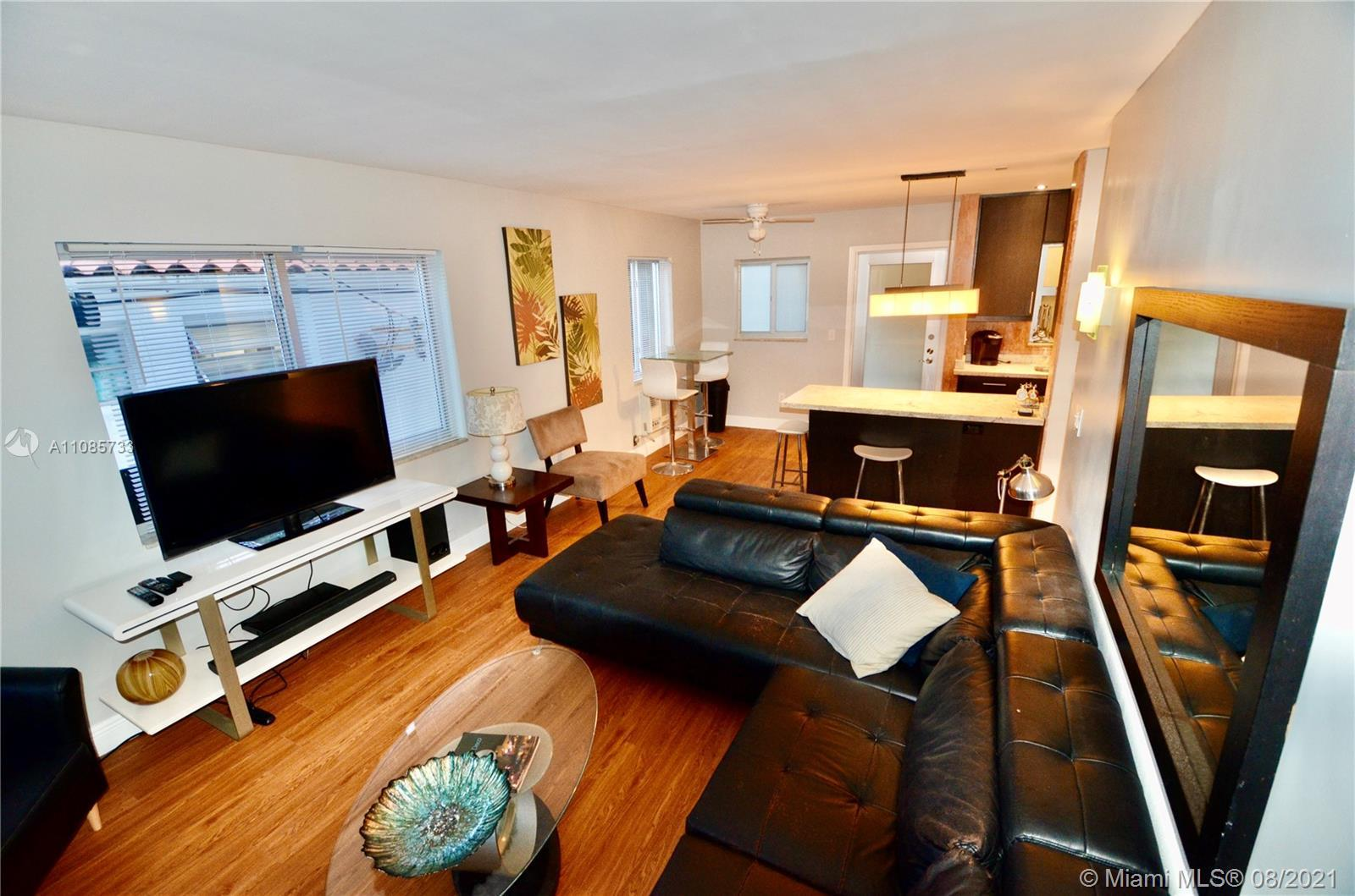 Large 1/1 corner unit(790sf),completely renovated,w lots of light!Private balcony.Gated security&ele