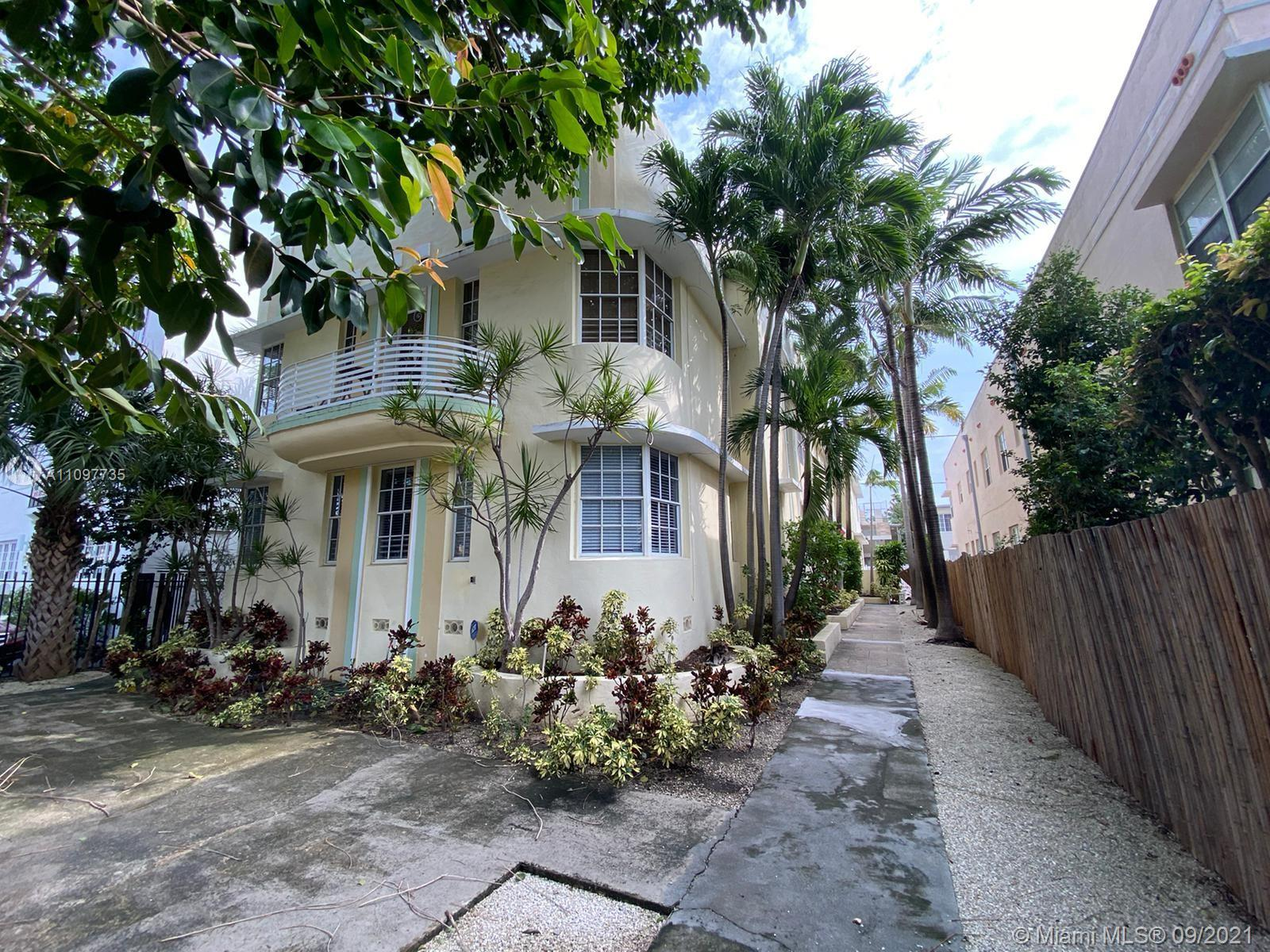 Super bright unit 2 bed/1 bath with garden view. Walk in Closet. Impact resistant windows. Clean and